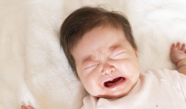 泣き止まない赤ちゃんにはどう対応すれば良いの!? –助産師からのアドバイス