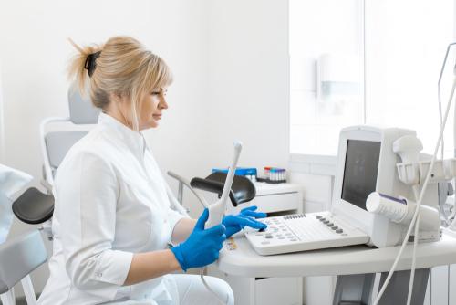 婦人科検診をわかりやすく解説(後編) 〜子宮体がん検査と卵巣がん検査〜